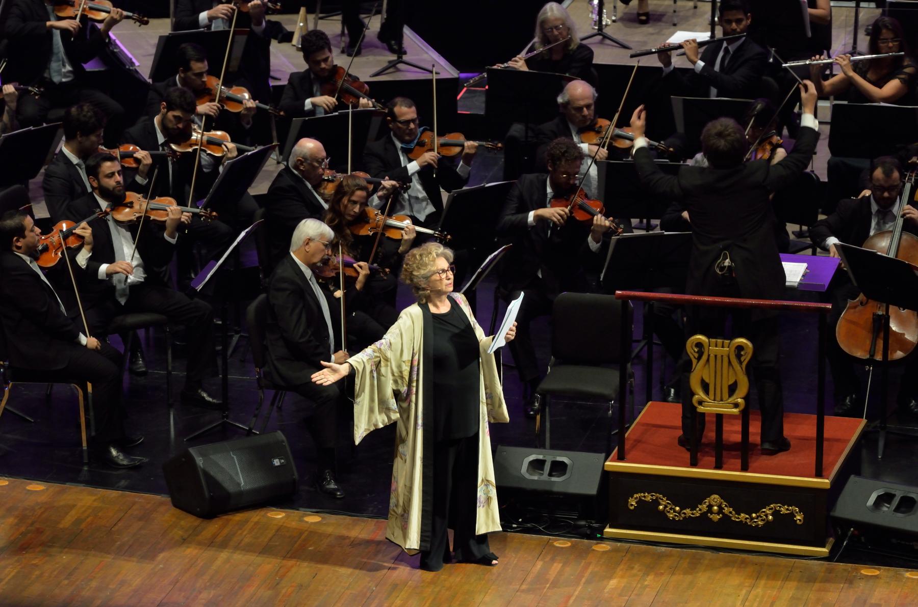 Resultado de imagen para Orquesta Sinfónica del Uruguay junto a Norma Aleandro en el CCK