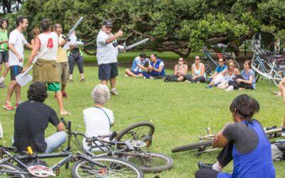 Diario La Nación: «Shakespeare, en teatro y en bicicleta»